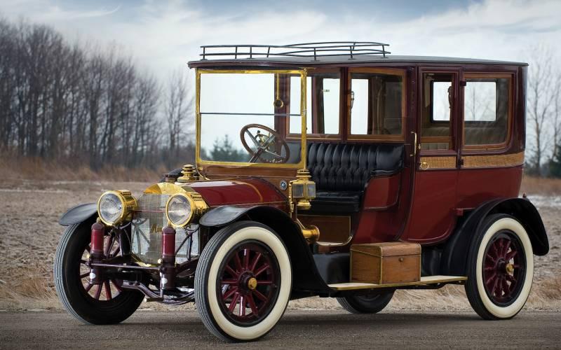 Старинный Mercedes.Автомобили
